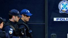"""В Гърция арестуваха двама депутати от """"Златна зора"""""""