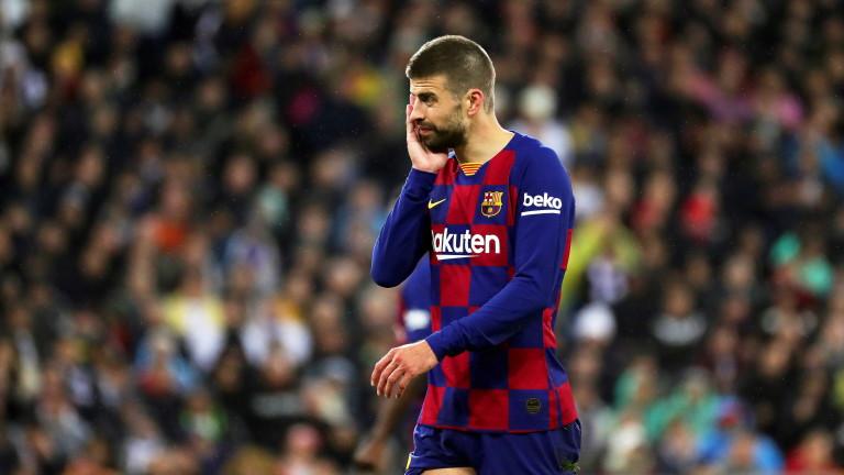 Пике намали с 50% заплатата си в Барселона
