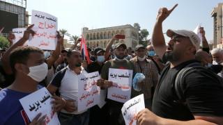 63-ма загинали и 2600 ранени при протестите в Ирак