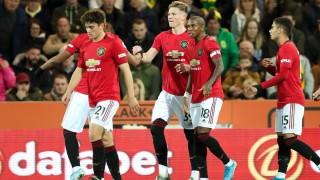 Юнайтед получи две дузпи, пропусна ги, но все пак постигна първа победа от 5 мача в Премиършип