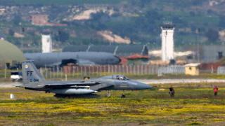 Турция удря паралелно позиции на ПКК в Ирак и на ДАЕШ в Сирия