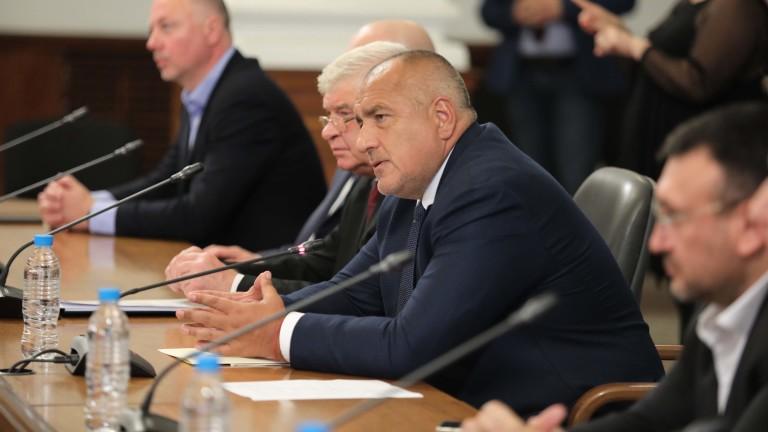 На брифинга в Министерския съвет министър-председателят защити шефа на Оперативния