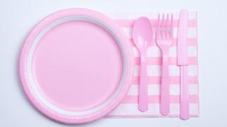 4 начина за почистване на пластмасови предмети вкъщи