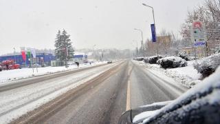 Най-силен е снеговалежът в София