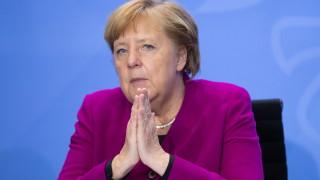 Меркел загрижена за икономиката, призова да се спазват мерките