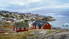 Климатични промени: Дъжд топи ледената покривка на Гренландия дори през зимата