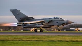 Великобритания удвоява военновъздушните сили срещу джихадистите