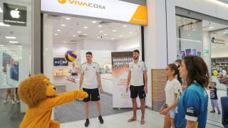 Волейболно шоу с Лъвчо в пловдивски мол