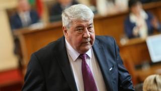 """Спас Гърневски отнесе санкция заради """"Червени боклуци!"""""""
