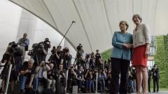 Правата на гражданите на ЕС основен приоритет, съгласни Меркел и Мей
