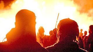 Предполагаеми бунтовници опожариха три училища в Тайланд