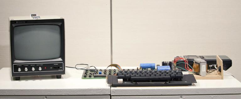 Така е изглеждал първият компютър, създаден от Apple