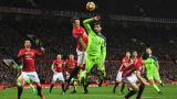 Манчестър Юнайтед ще предложи нов договор на Фил Джоунс