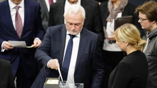 Шеф на Бундестага поиска посланикът на САЩ да бъде изгонен от Германия