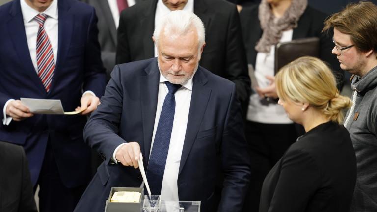 Заместник-председателят на Бундестага призова посланикът на САЩ в Германия Ричард