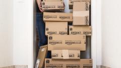 Amazon наема 30 000 служители през следващата година