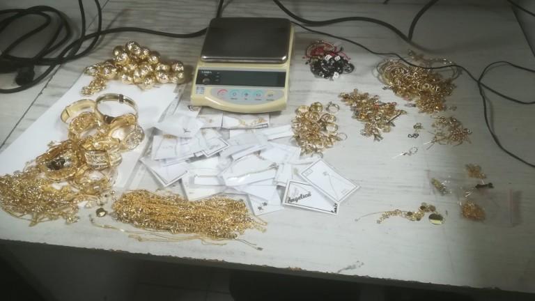 Задържаха контрабандни златни накити за близо 200 000 лв. на МП Капитан Андреево