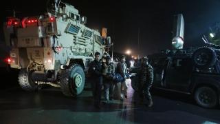 Атентат с камион бомба близо до летището в Кабул