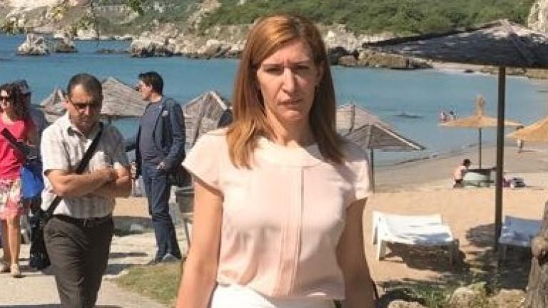 Ангелкова открила по-малко нарушения по плажовете тази година