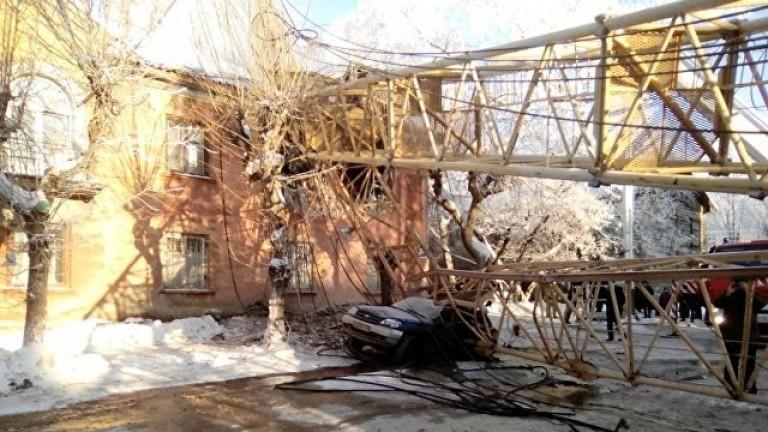 Кулокран е паднал върху жилищна сграда в руския град Киров,