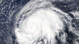 """Увеличават се жертвите на урагана """"Лора"""""""