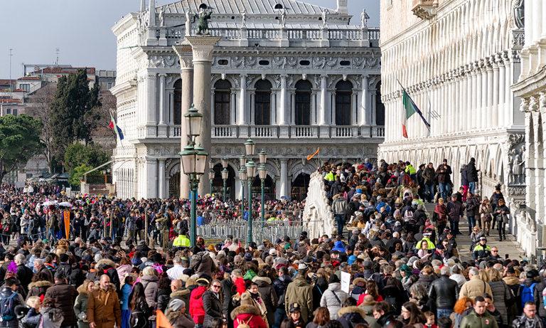 Венеция целогодишно е претъпкана с тълпи от туристи