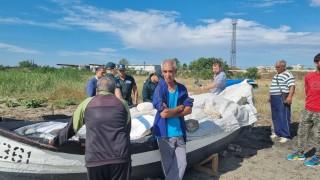 """Полицията проверява незаконно пристанище в ромския квартал """"Победа"""""""
