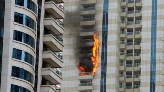 Пожар горя в небостъргач в Дубай