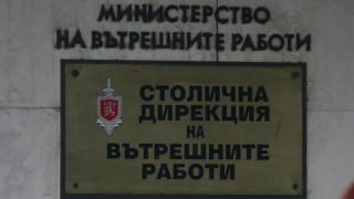 Столичните полицаи на крак заради футболни фенове и абитуриенти