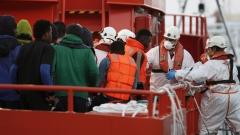 85 спасени мигранти край Либия, 40 други се издирват