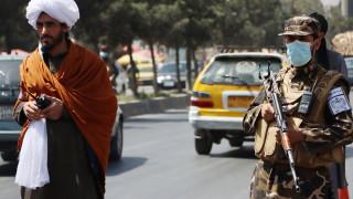 Талибаните смазват мирните протести в Афганистан с бойни муниции, палки и камшици