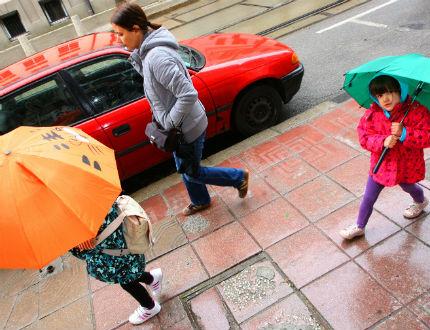 11 области в понеделник в оранжево и жълто за проливни дъждове