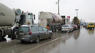 Олимпи Кътев инициира среща за проблемите по пътищата