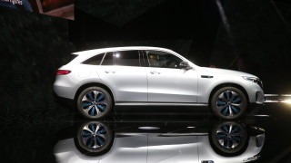 Mercedes-Benz показа първия си електрически автомобил (снимки)