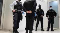 140 френски жандармеристи разпръснаха технопарти посреднощ