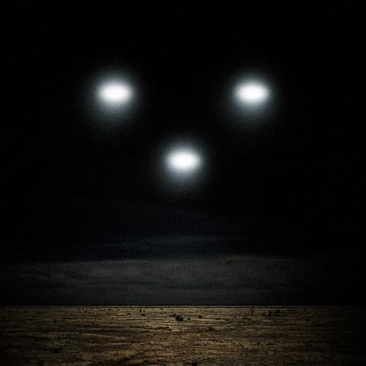 Гигантски НЛО атакуват Земята до дни!