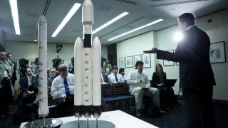 SpaceX ще изпрати първи изцяло цивилен екипаж в орбита за 3 дни