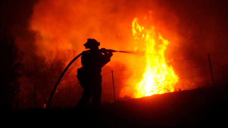 Снимка: 2 души загинаха при пожар в Ливан