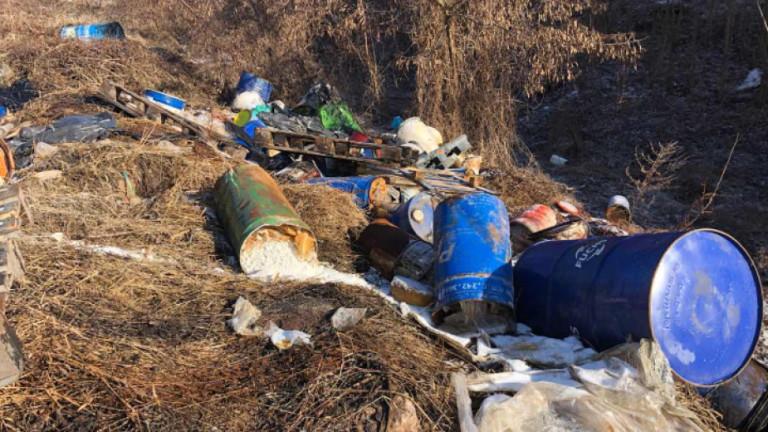 Извозиха токсичните отпадъци от гара Яна