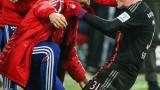 В Германия се подиграват: Швайни е като футболна съпруга на корта