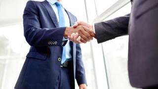 Рязък спад на корпоративните сделки през 2017 г.