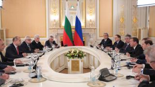 Радев говорил откровено с Медведев за лицензиите за военната техника