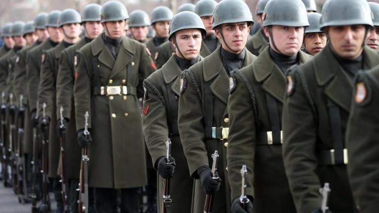 Турция арестува 170 военни по обвинения за опита за преврат