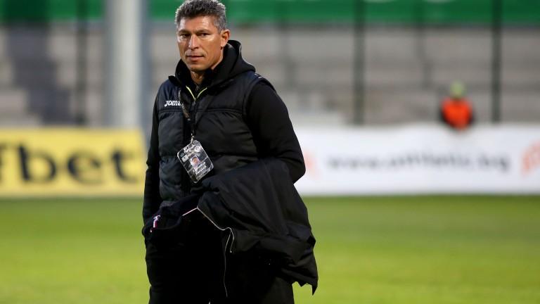 Снимка: Красимир Балъков: Има психически срив в отбора след отпадането за Купата