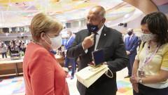 Борисов с подарък за рождения ден на Меркел