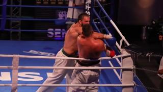 Астман взе Битката на титаните с Воеводкин