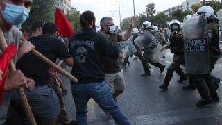 Сълзотворен газ срещу ученици на протест в Гърция