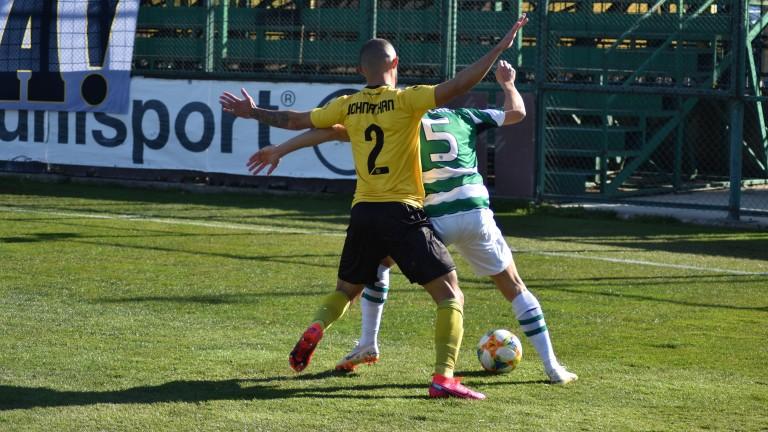Ботев (Пловдив) ще предложи нови договори на трима свои футболисти.