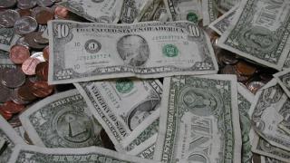 Американска закусвалня осъдена да върне 100 млн.$ бакшиши на служителите си
