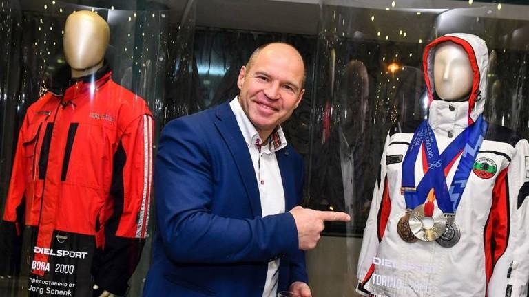Четирикратният носител на Световната купа по ски алпийски дисциплини Марк